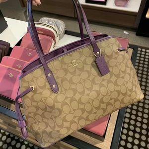 Coach logo signature Shoulder bag handbag purse